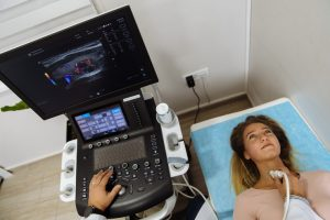 Ultrazvuk štitne žlezde Poliklinika Cardios Novi Sad